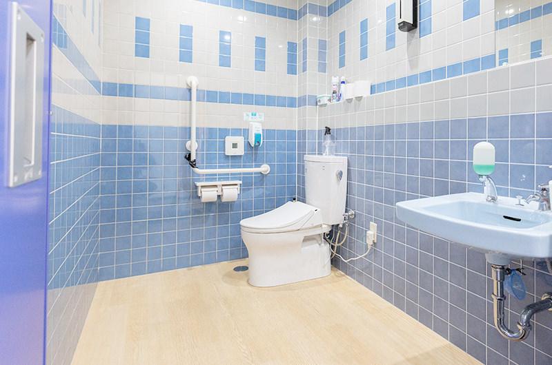 お手洗い・尿検査室